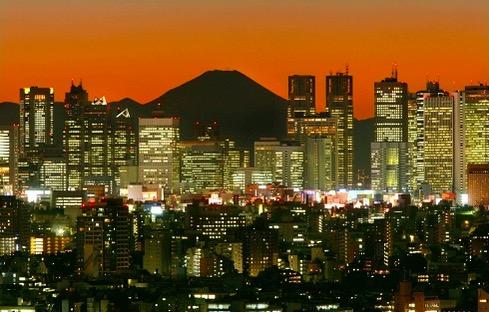 Monte Fuji sobre Tokyo class=