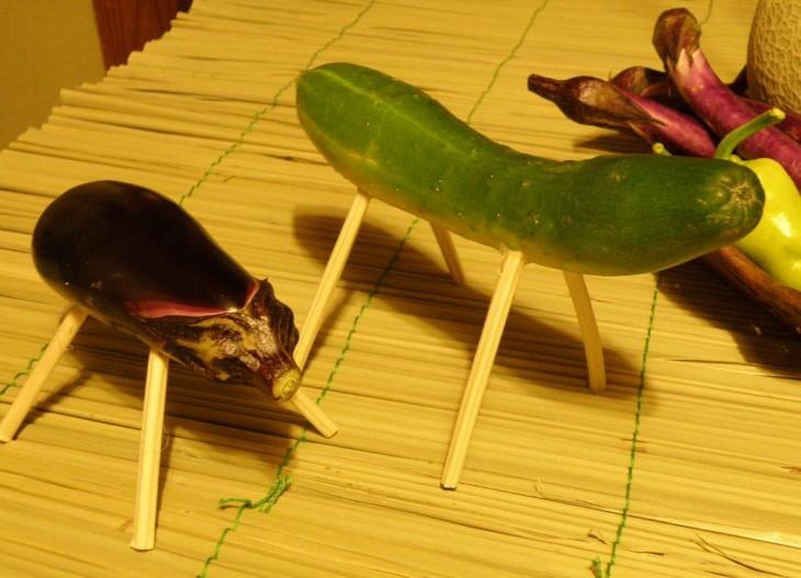 La berenjena y el pepino en Obon class=