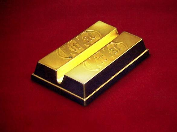Kit Kat edición limitada de oro por 15 euros class=